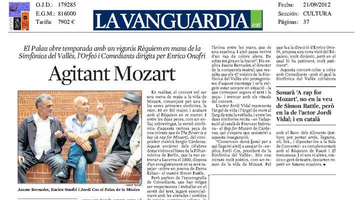 Mozart waving