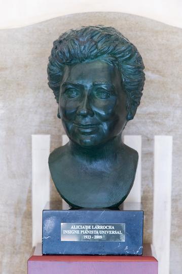 Bust Alicia de Larrocha