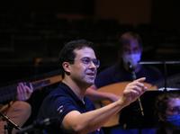 GARCÍA ALARCÓN, Leonardo (conductor) ©Gilles Abeggd